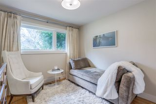 Photo 11: 2402 LAURALYNN Drive in North Vancouver: Westlynn House for sale : MLS®# R2359905
