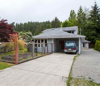 """Photo 2: 738 MAPLEWOOD Lane in Gibsons: Gibsons & Area House for sale in """"Maplewood"""" (Sunshine Coast)  : MLS®# R2369805"""