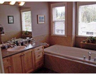"Photo 8: 10528 BAKER PL in Maple Ridge: Albion House for sale in ""MAPLE CREST"" : MLS®# V556540"