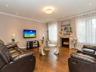 Photo 4: 65 Humberstone Crescent in Brampton: Northwest Brampton House (2-Storey) for sale : MLS®# W4487995