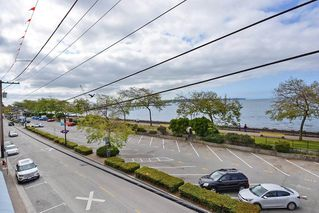 "Photo 12: 206 14881 MARINE Drive: White Rock Condo for sale in ""Driftwood Arms"" (South Surrey White Rock)  : MLS®# R2381349"