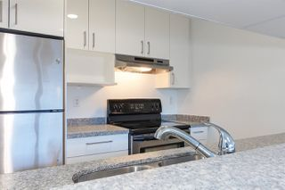 "Photo 3: 206 518 THIRTEENTH Street in New Westminster: Uptown NW Condo for sale in ""COVENTRY COURT"" : MLS®# R2385855"