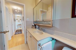 Photo 10: 11002 110 Avenue in Edmonton: Zone 08 House for sale : MLS®# E4165602