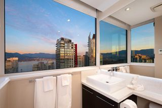 "Photo 18: 3008 1239 W GEORGIA Street in Vancouver: Coal Harbour Condo for sale in ""Venus"" (Vancouver West)  : MLS®# R2418715"