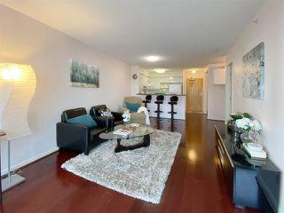 Photo 3: 723 6028 WILLINGDON AVENUE in : Metrotown Condo for sale : MLS®# R2421244