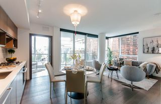 """Photo 5: 622 68 SMITHE Street in Vancouver: Downtown VW Condo for sale in """"ONE PACIFIC"""" (Vancouver West)  : MLS®# R2506196"""
