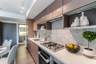 """Photo 6: 622 68 SMITHE Street in Vancouver: Downtown VW Condo for sale in """"ONE PACIFIC"""" (Vancouver West)  : MLS®# R2506196"""