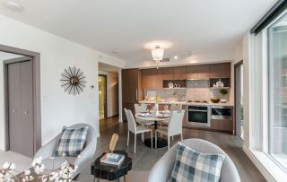 """Photo 3: 622 68 SMITHE Street in Vancouver: Downtown VW Condo for sale in """"ONE PACIFIC"""" (Vancouver West)  : MLS®# R2506196"""