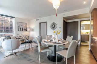 """Photo 2: 622 68 SMITHE Street in Vancouver: Downtown VW Condo for sale in """"ONE PACIFIC"""" (Vancouver West)  : MLS®# R2506196"""