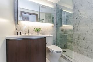 """Photo 10: 622 68 SMITHE Street in Vancouver: Downtown VW Condo for sale in """"ONE PACIFIC"""" (Vancouver West)  : MLS®# R2506196"""