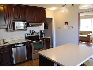 Photo 8: 611 GLENWAY Avenue in WINNIPEG: Birdshill Area Residential for sale (North East Winnipeg)  : MLS®# 1106124