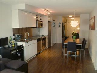 "Photo 5: 907 788 HAMILTON Street in Vancouver: Downtown VW Condo for sale in ""TV TOWERS"" (Vancouver West)  : MLS®# V885261"