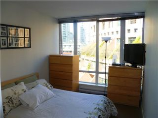 "Photo 9: 907 788 HAMILTON Street in Vancouver: Downtown VW Condo for sale in ""TV TOWERS"" (Vancouver West)  : MLS®# V885261"