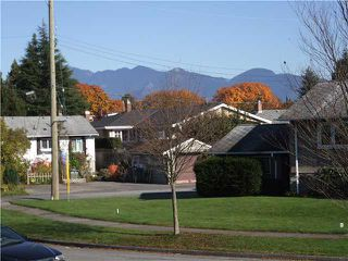 Photo 2: 3329 TRUTCH ST in Vancouver: Arbutus House for sale (Vancouver West)  : MLS®# V1032684