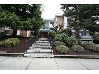 "Photo 11: 106 1544 FIR Street: White Rock Condo for sale in ""Juniper Arms"" (South Surrey White Rock)  : MLS®# F1407253"