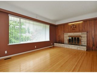 "Photo 2: 821 COTTONWOOD Avenue in Coquitlam: Coquitlam West House for sale in ""WEST COQUITLAM"" : MLS®# V1067082"