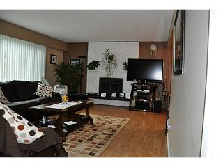 Photo 3: 3749 HAMILTON Street in Port Coquitlam: Lincoln Park PQ House for sale : MLS®# V1088203