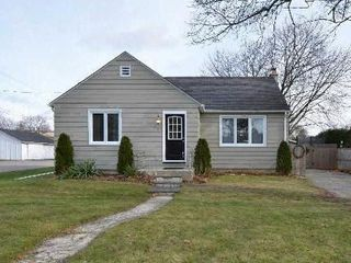 Photo 1: 37 S Church Street in Clarington: Orono House (Bungalow) for sale : MLS®# E3076063