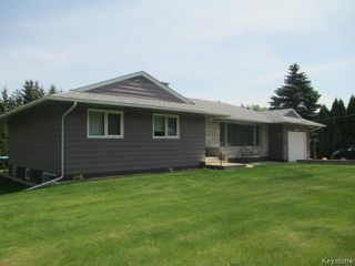Photo 1: 520 Wellington Crescent in DAUPHIN: Manitoba Other Residential for sale : MLS®# 1500614
