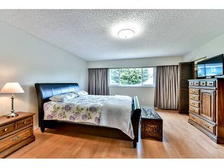 "Photo 11: 14410 CHARTWELL Drive in Surrey: Bear Creek Green Timbers House for sale in ""CHARTWELL"" : MLS®# F1439032"