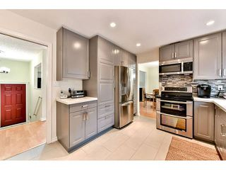 "Photo 8: 14410 CHARTWELL Drive in Surrey: Bear Creek Green Timbers House for sale in ""CHARTWELL"" : MLS®# F1439032"