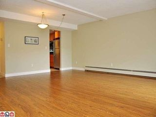 Photo 5: 209 13931 74 Ave in Surrey: East Newton Home for sale ()  : MLS®# F1117215