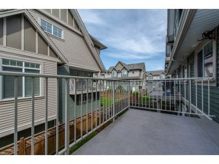 "Photo 2: 59 6498 SOUTHDOWNE Place in Sardis: Sardis East Vedder Rd Townhouse for sale in ""Village Green"" : MLS®# R2059470"