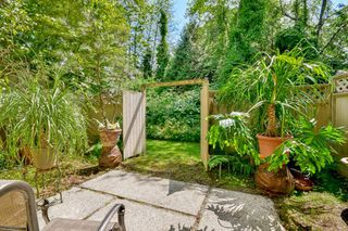 """Photo 18: 3424 LANGFORD Avenue in Vancouver: Champlain Heights Townhouse for sale in """"RICHVIEW GARDENS"""" (Vancouver East)  : MLS®# R2073849"""