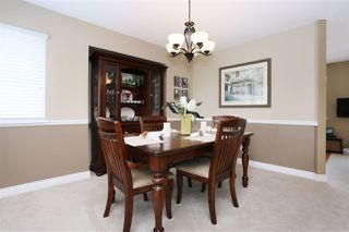 Photo 6: 6537 CLAYTONWOOD Place in Surrey: Cloverdale BC House for sale (Cloverdale)  : MLS®# R2084960