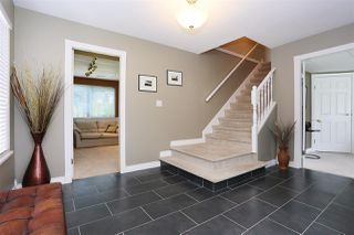 Photo 2: 6537 CLAYTONWOOD Place in Surrey: Cloverdale BC House for sale (Cloverdale)  : MLS®# R2084960