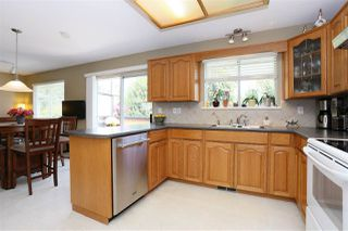 Photo 10: 6537 CLAYTONWOOD Place in Surrey: Cloverdale BC House for sale (Cloverdale)  : MLS®# R2084960