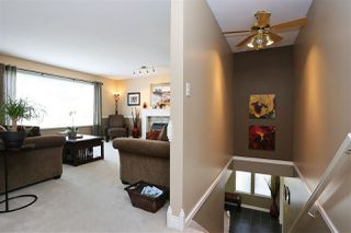 Photo 3: 6537 CLAYTONWOOD Place in Surrey: Cloverdale BC House for sale (Cloverdale)  : MLS®# R2084960