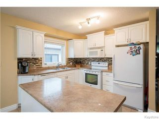 Photo 2: 39 Hobart Place in Winnipeg: St Vital Residential for sale (South East Winnipeg)  : MLS®# 1617792