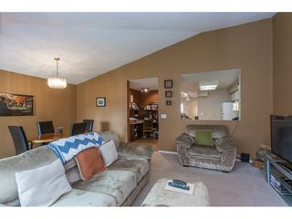 "Photo 5: 504 8260 162A Street in Surrey: Fleetwood Tynehead Townhouse for sale in ""FLEETWOOD MEADOWS"" : MLS®# R2147912"