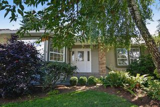 Photo 2: 15318 28A Avenue in Surrey: King George Corridor House for sale (South Surrey White Rock)  : MLS®# R2152956