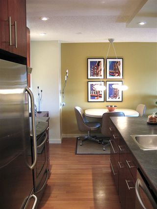 "Photo 2: 316 9847 MANCHESTER Drive in Burnaby: Cariboo Condo for sale in ""Barclay Woods"" (Burnaby North)  : MLS®# R2174146"