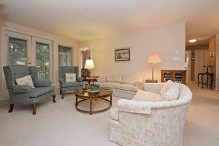"Photo 5: 110 1140 STRATHAVEN Drive in North Vancouver: Northlands Condo for sale in ""Strathaven"" : MLS®# R2178970"