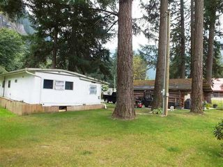 """Photo 5: 63965 OLD YALE ROAD Road in Hope: Hope Silver Creek Manufactured Home for sale in """"Silver Creek"""" : MLS®# R2178454"""