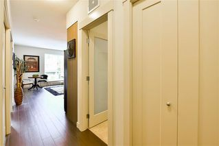Photo 3: 204 2214 Kelly Avenue in Port Coquitlam: Central Pt Coquitlam Condo for sale : MLS®# R2121281