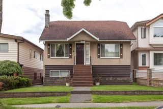 Main Photo: 2923 E 17 Ave in Vancouver: Renfrew Heights House for sale (Vancouver East)  : MLS®# R2176610