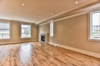 """Photo 9: 8224 204 Street in Langley: Willoughby Heights House for sale in """"Yorkson"""" : MLS®# R2208932"""