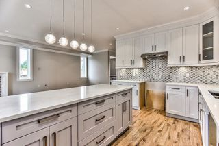 """Photo 5: 8224 204 Street in Langley: Willoughby Heights House for sale in """"Yorkson"""" : MLS®# R2208932"""