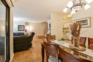 Photo 5: 14835 HOLLY PARK Lane in Surrey: Guildford Townhouse for sale (North Surrey)  : MLS®# R2211598