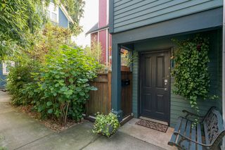 Photo 1: 849 KEEFER STREET in Vancouver: Mount Pleasant VE Townhouse for sale (Vancouver East)  : MLS®# R2204383