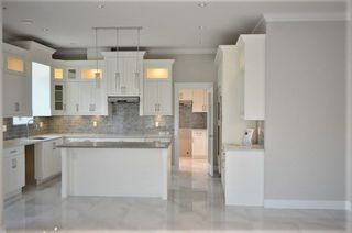 """Photo 5: 18407 59A Avenue in Surrey: Cloverdale BC House for sale in """"Cloverdale"""" (Cloverdale)  : MLS®# R2217286"""
