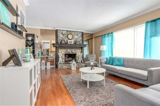 "Photo 2: 3603 HUGHES Place in Port Coquitlam: Woodland Acres PQ House for sale in ""WOODLAND ACRES"" : MLS®# R2218450"