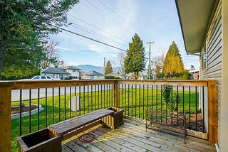 Photo 3: 9336 BROADWAY Street in Chilliwack: Chilliwack E Young-Yale House for sale : MLS®# R2231305