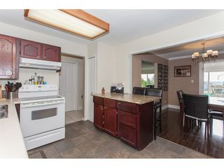 Photo 9: 18274 56B AVENUE in Surrey: Cloverdale BC House for sale (Cloverdale)  : MLS®# R2148216