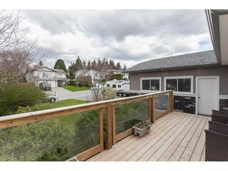 Photo 2: 18274 56B AVENUE in Surrey: Cloverdale BC House for sale (Cloverdale)  : MLS®# R2148216