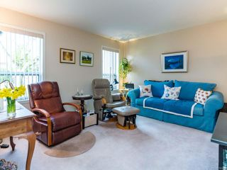 Photo 2: A 607 Bunting Pl in COMOX: CV Comox (Town of) Half Duplex for sale (Comox Valley)  : MLS®# 780090